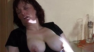 extreme  insertion  mom  squirting